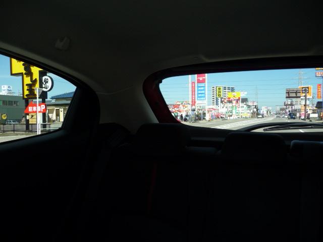 新型デミオの後方視界